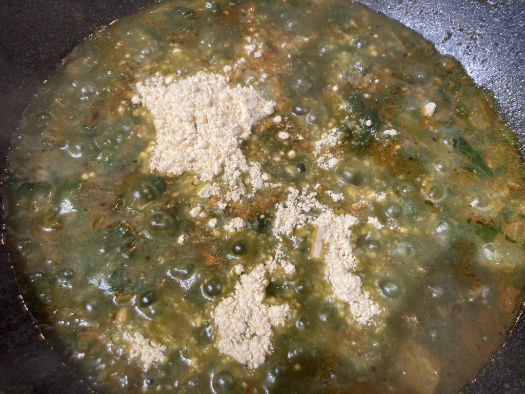 Lasooni Palak - Add water and Besan